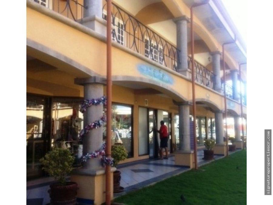 centro comercial de dos niveles tamarindo