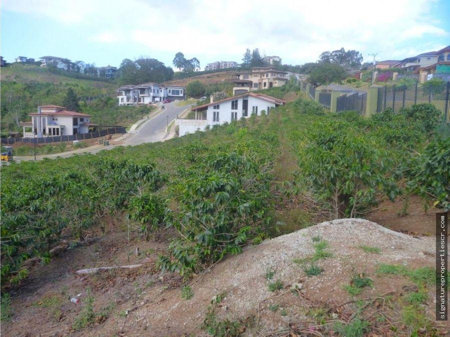 lote en exclusivo residencial colinas montealegre