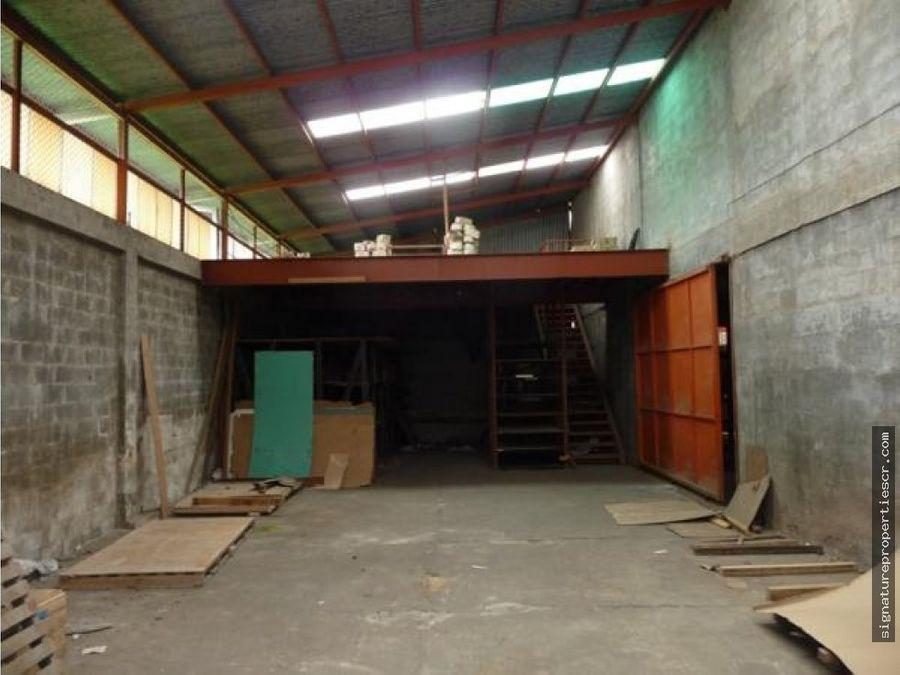 bodega y local comercial en zona de alto trafico