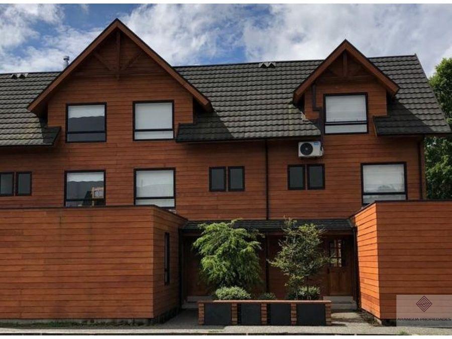 hermosa casa en venta en condominio en pucon