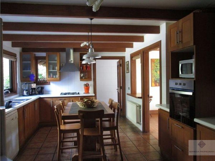 hermosa casa en parcela en venta en pucon sector metrenehue