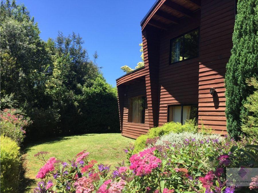 espectacular casa en venta en condominio en villarrica