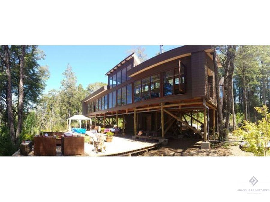 por temporada hermosa casa en arriendo en pucon con acceso a rio