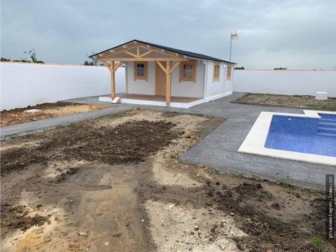 se venden parcelas de 500m2 con casa de madera en chiclana