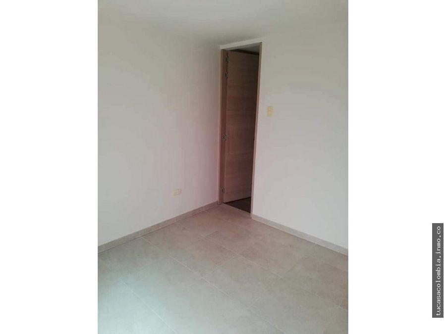se vende o se arrienda apto de tres habitaciones