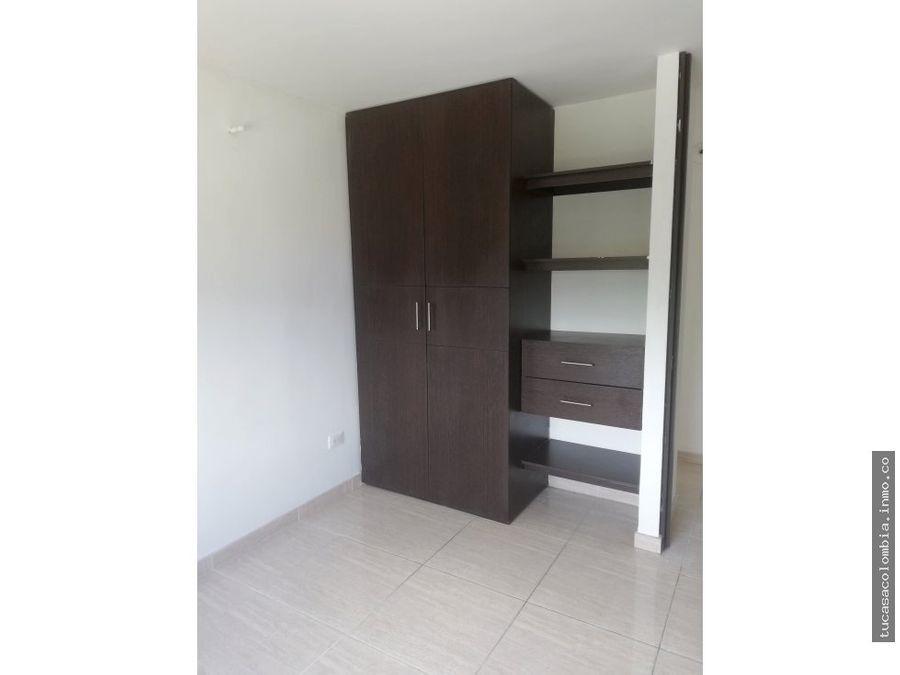 se arrienda apto de tres habitaciones conjunto hacienda casablanca