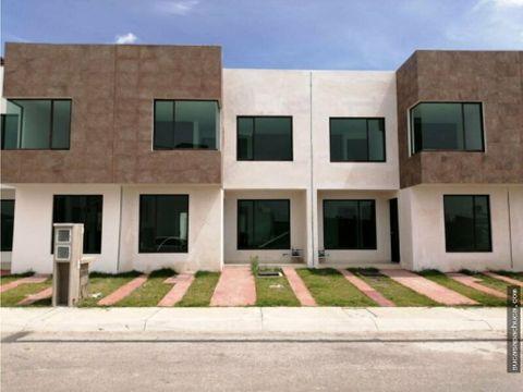 casa en venta moderna en fraccionamiento residencial