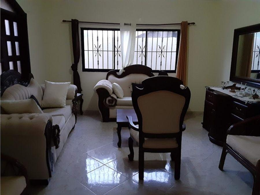 casa de 4 habitaciones en rio san juan en alquiler