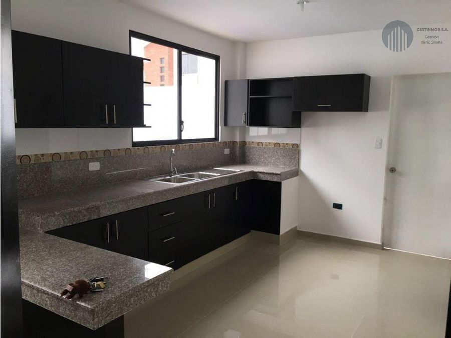 venta casa en urbanizacion napoli daule