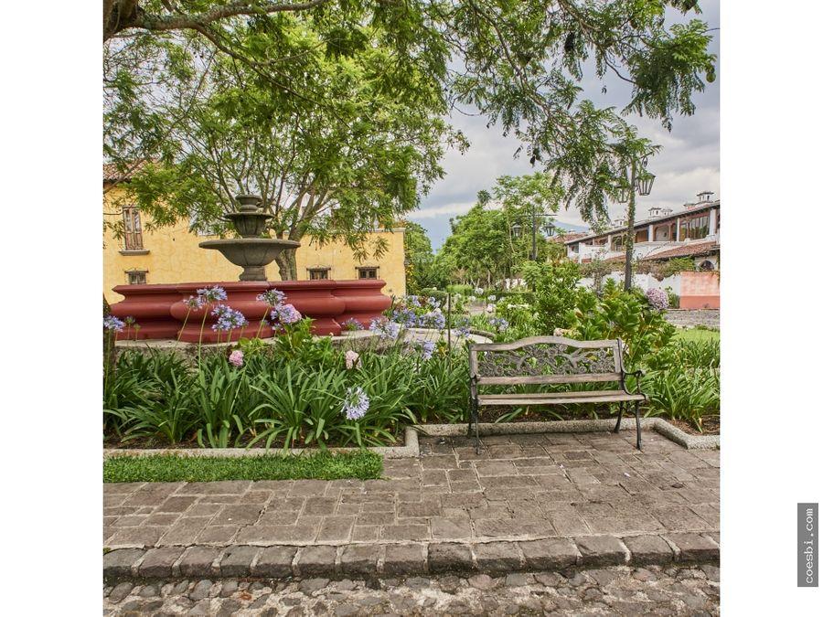 en venta casa de 4 habitaciones en cort de las flores ciudad vieja