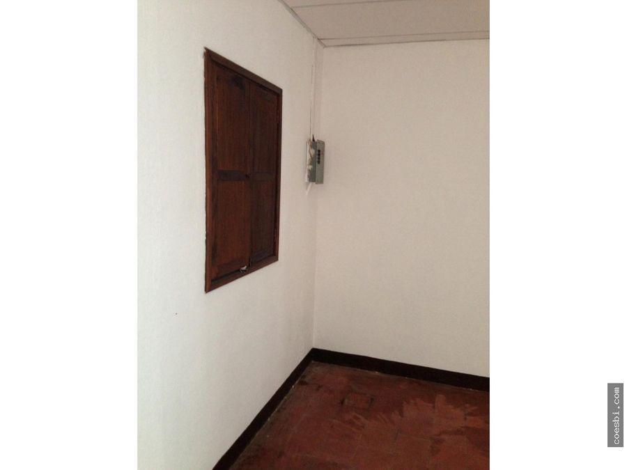 local grande ideal para negocio en el centro de antigua guatemala