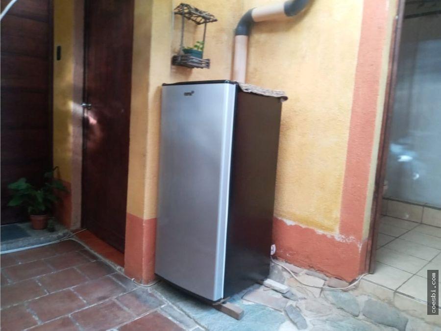 se renta habitacion privada por la 4 avenida la antigua guatemala