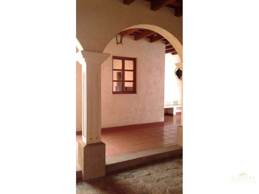 casa de 9 habitaciones en san bartolome becerra antigua guatemala
