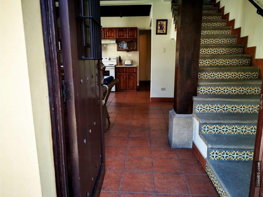 en renta luminoso apartamento en san bartolome becerra antigua gt