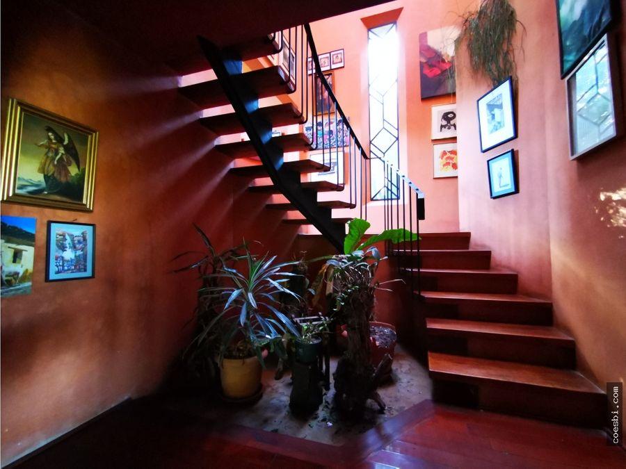 casa de campo con 2 niveles a 25km del casco de antigua guatemala