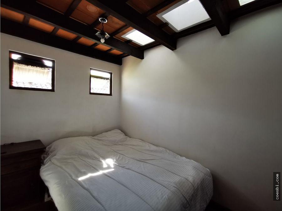 casa grande en el residencial real de santiago en antigua guatemala