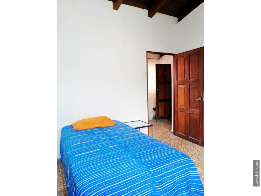 en renta apartamento de 2 habs en el centro de antigua guatemala