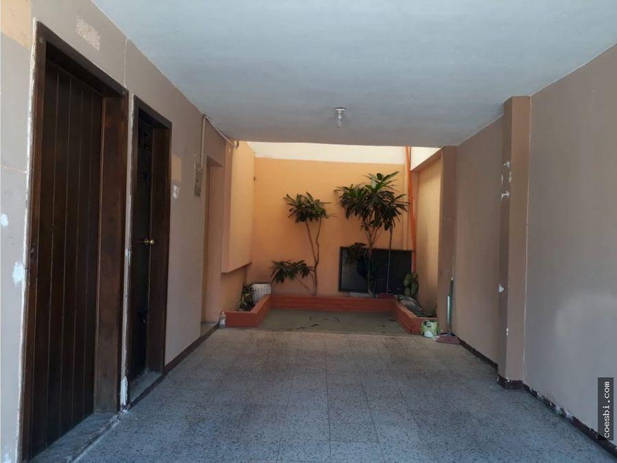 casa de 2 niveles por alameda sta lucia antigua guatemala