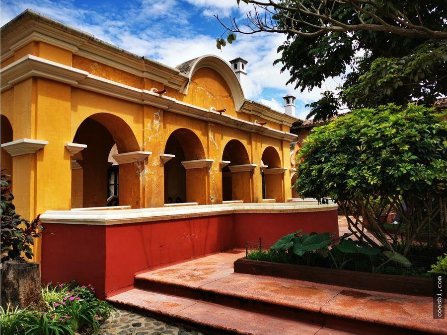 town house en alquiler dentro de residencial en antigua guatemala