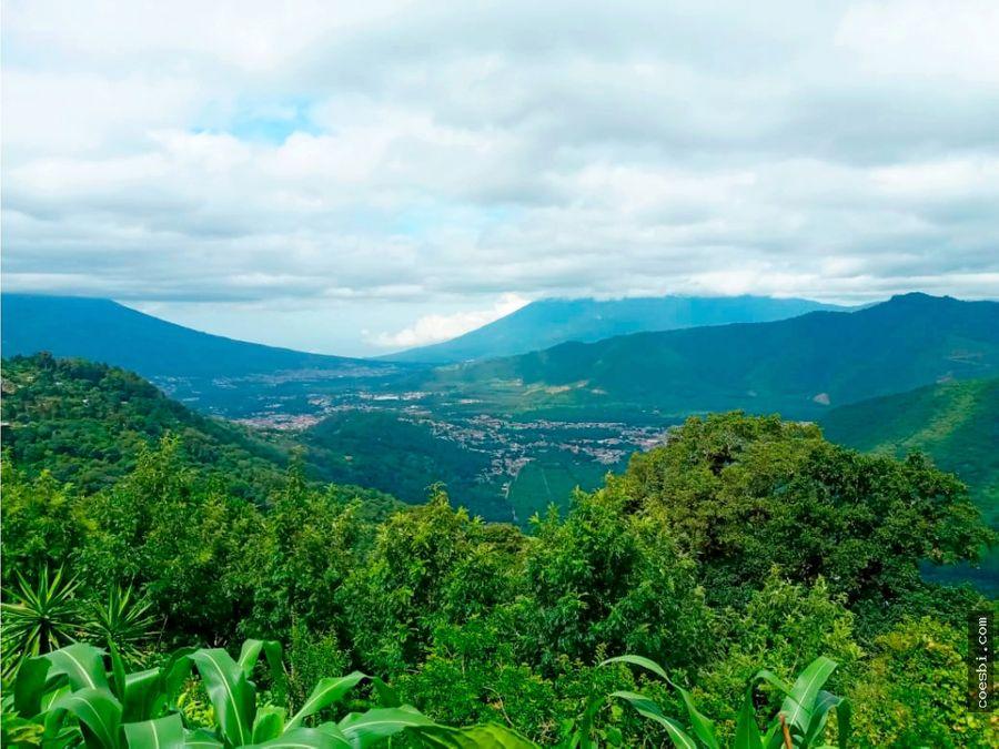 en venta terreno con vista a los volcanes en el hato antigua gt