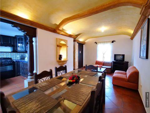 en renta town house dentro de residencial en antigua guatemala