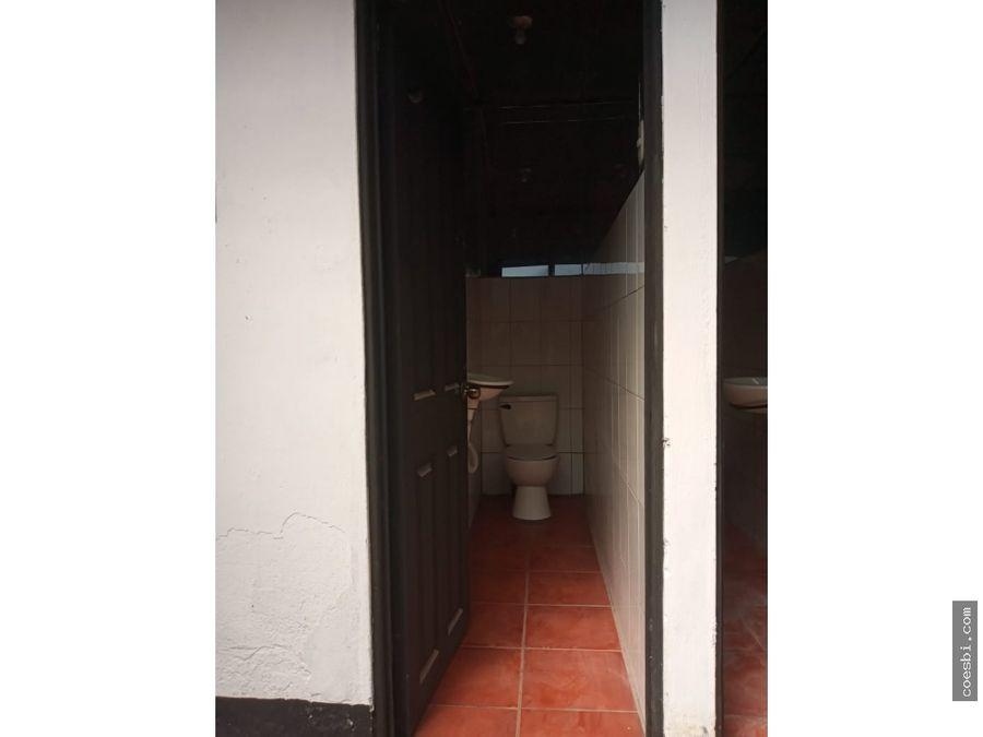 renta local grande en antigua guatemala a 50 metros del parque centra