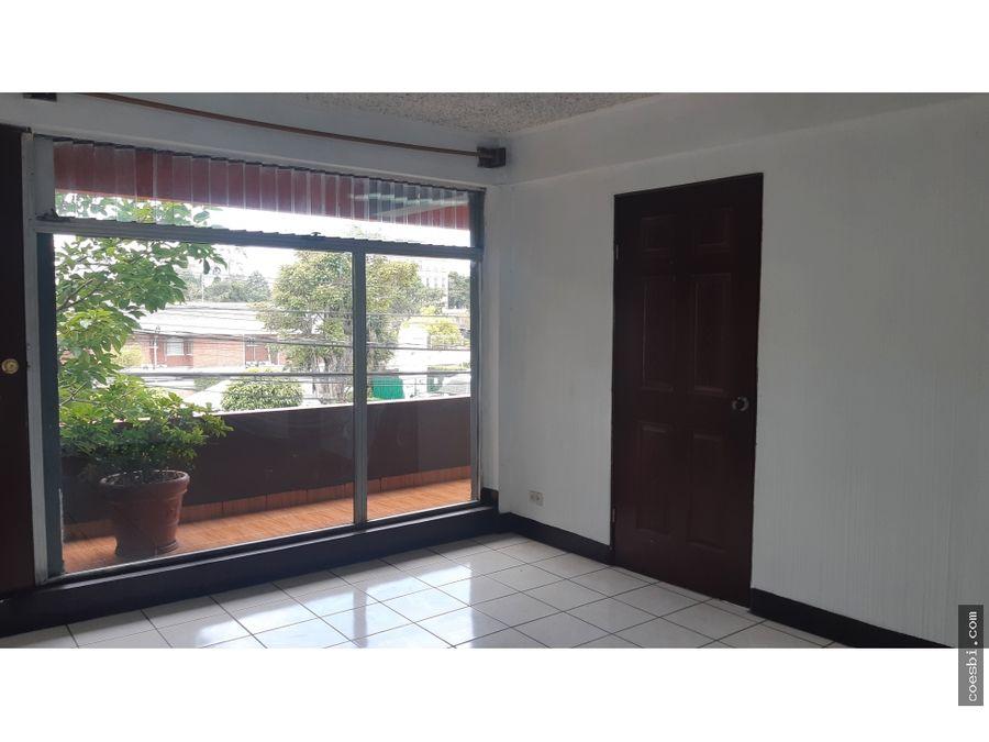 espaciosa oficina en renta 112 mts2 en zona 10