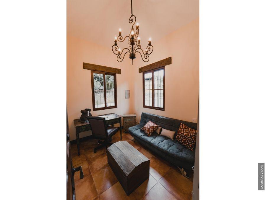 en venta lujosa casa en exclusivo residencial hacienda del comendador