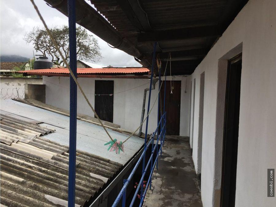 remato casa a 2 cuadras del parque central de antigua guatemala
