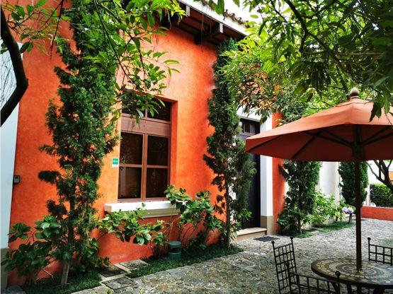 villa de dos niveles en exclusivo condominio en antigua guatemala