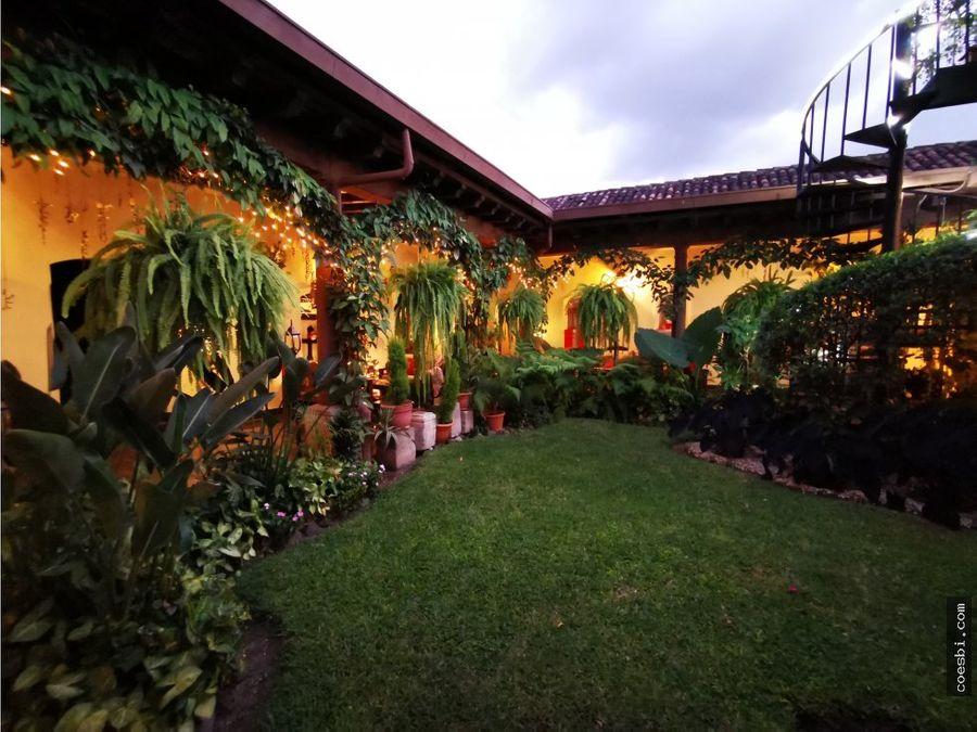 habitacion privada con 70mb a 50mts del parque de antigua guatemala