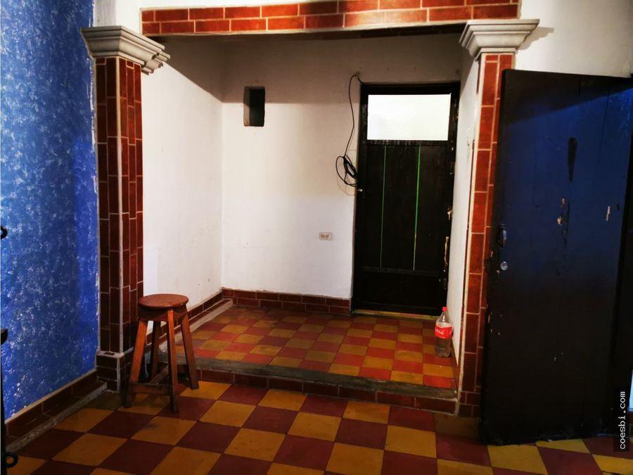 apartamento para pareja en calle ancha de antigua