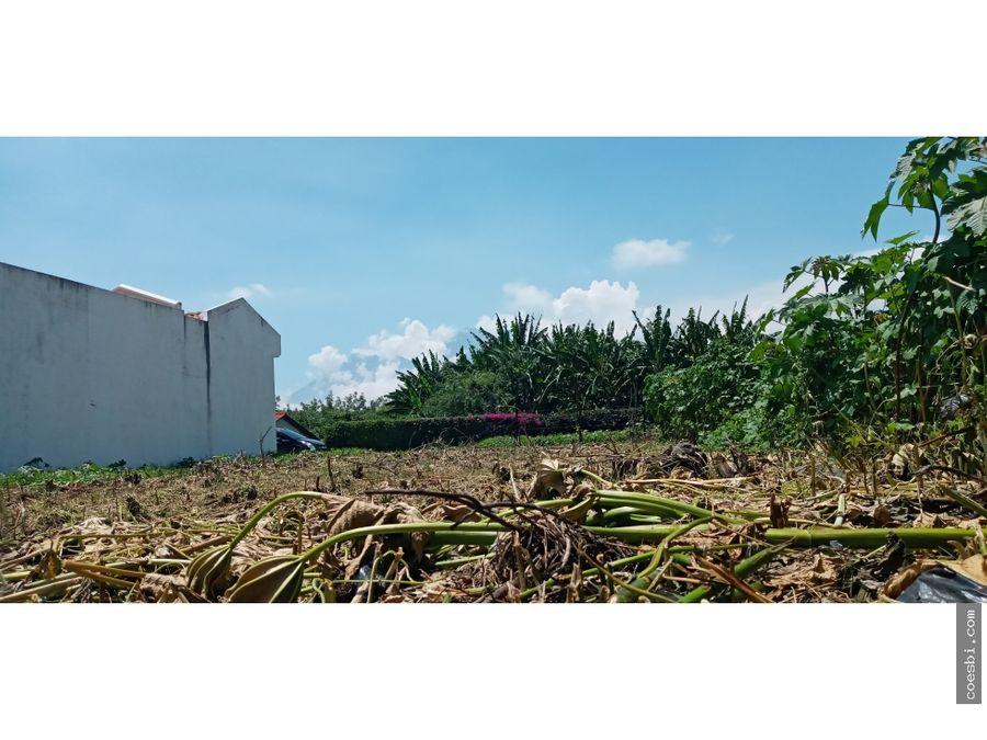 remato terreno plano para construccion a pocos metros del calvario
