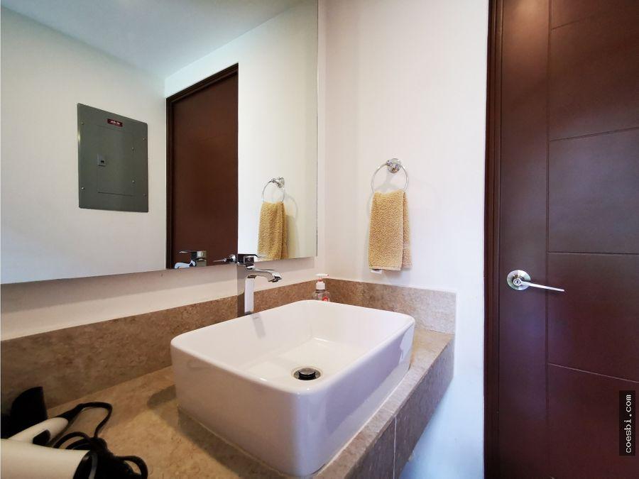 casa con diseno arquitectonico en residencial en san miguel duenas
