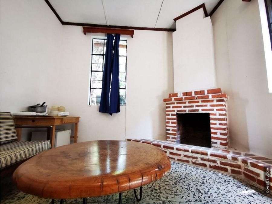 estudio de 1 habitacion a 450mts del parque de la antigua guatemala