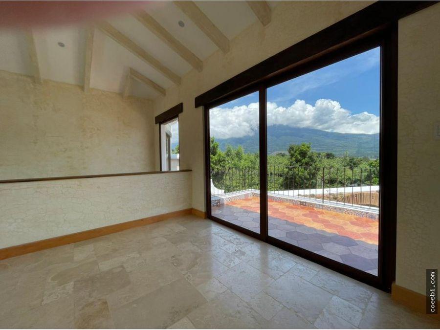 en venta extravagante casa en residencial hacienda del comendador