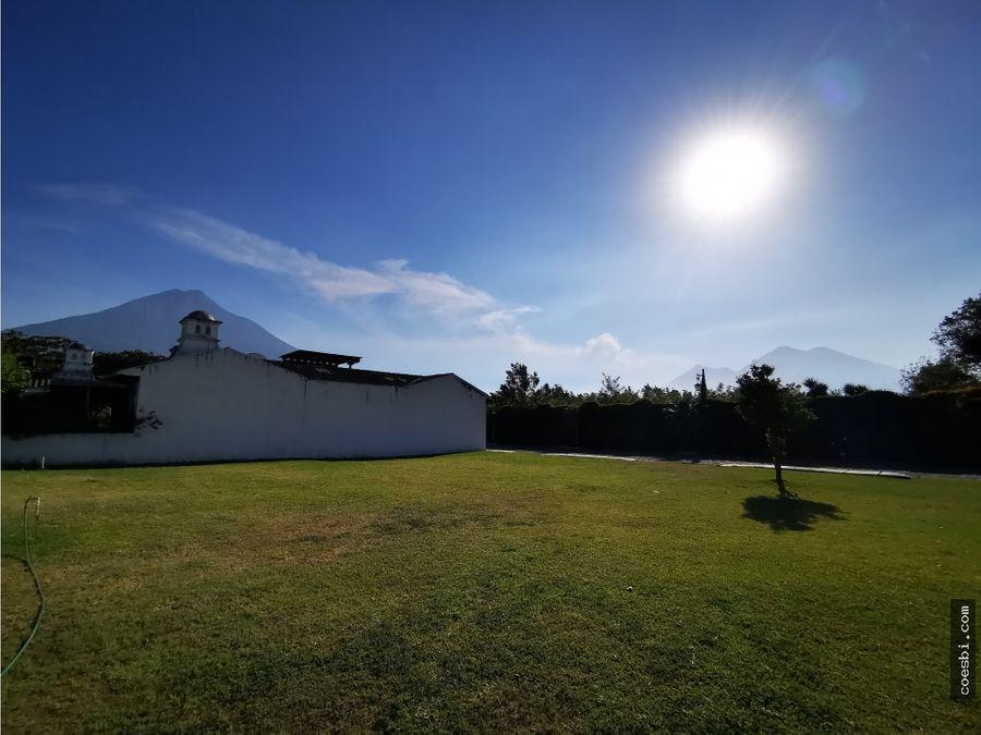 casa en exclusivo residencial los tecolotes en antigua gt en planos