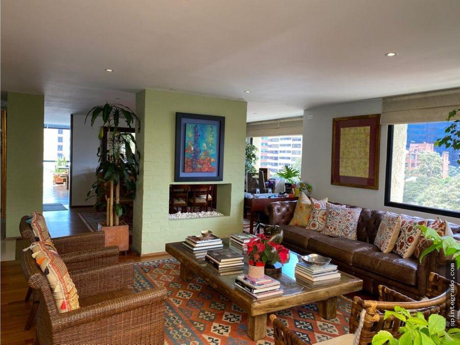 vendo o arriendo penthouse duplex remodelado en el nogal con terraza