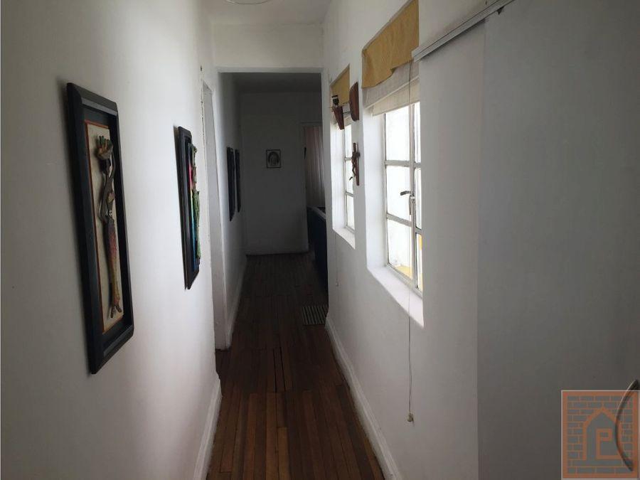 se vende casa en barrio de 7 agosto en bogota