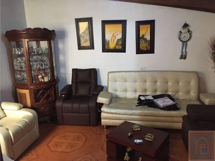 se vende casa con apartaestudio en kennedy bogota