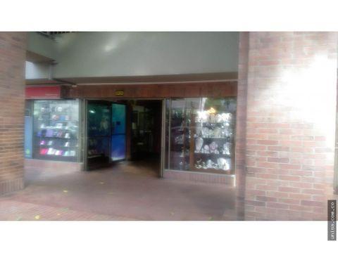 local para alquiler en centenario 9649
