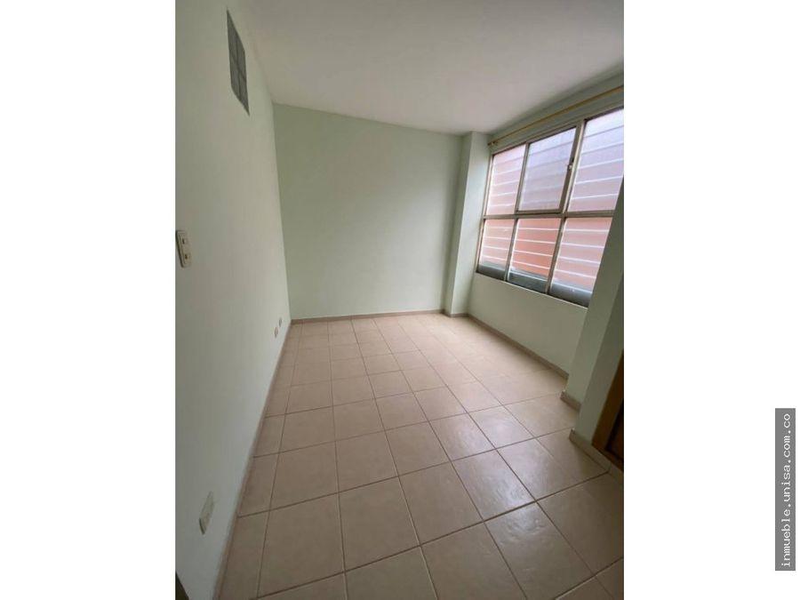 alquiler apto barrio cristobal colon 3er piso