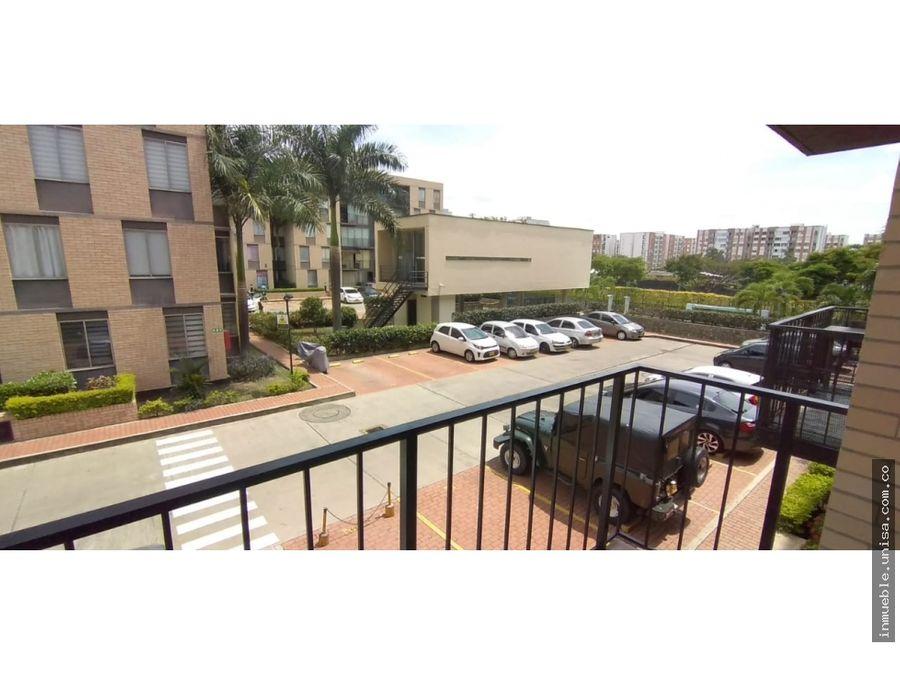 id 4706 patios en el lili segundo piso