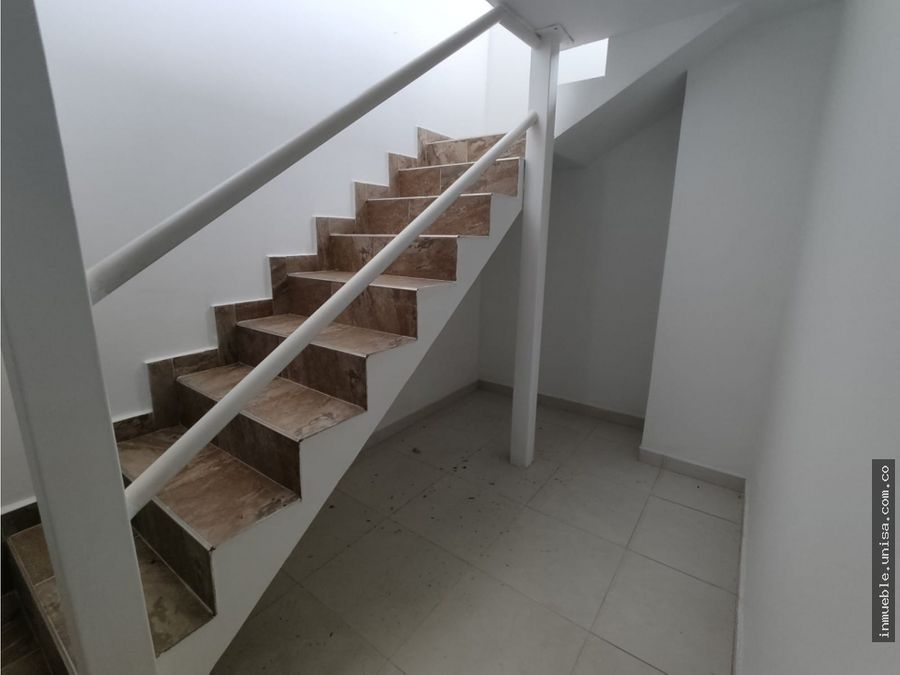 alquiler casa 3 niveles barrio san cayetano