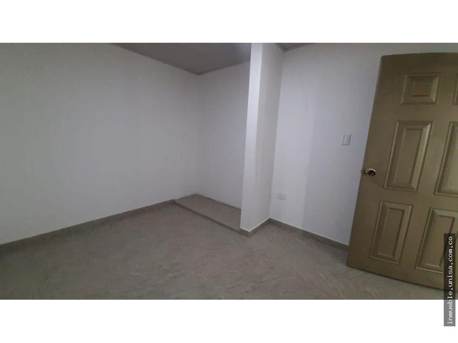 alquiler apto 3er piso barrio la base