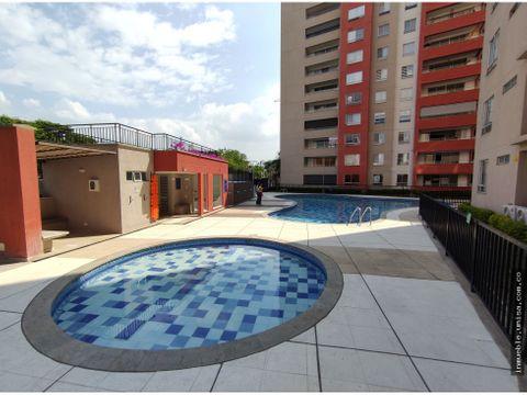 alquiler apartamento 3er piso conjunto divento