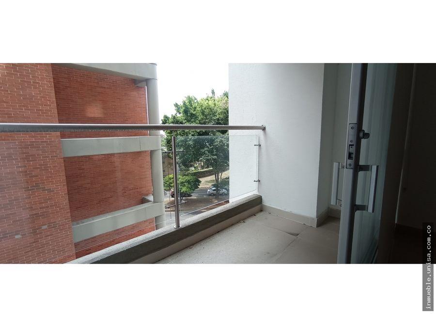 alquiler apartamento 4to piso edificio cosmoplaza