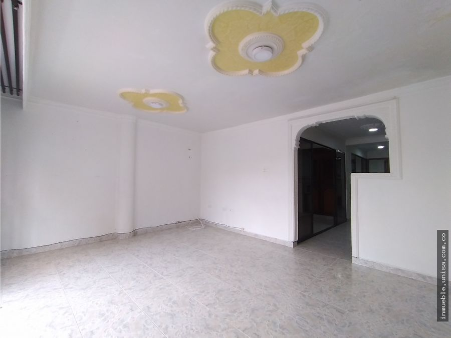 alquiler apartamento 2do piso barrio floralia