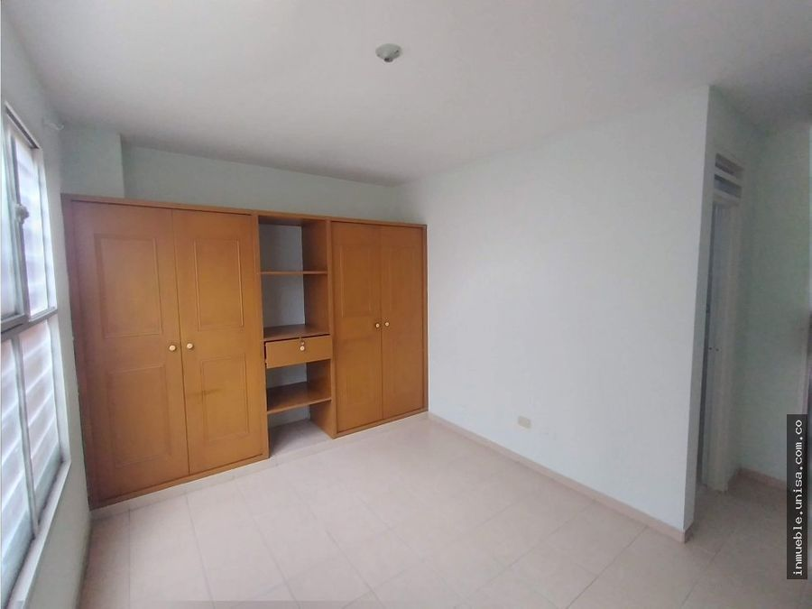 alquiler apartaestudio 3er piso barrio cristobal colon