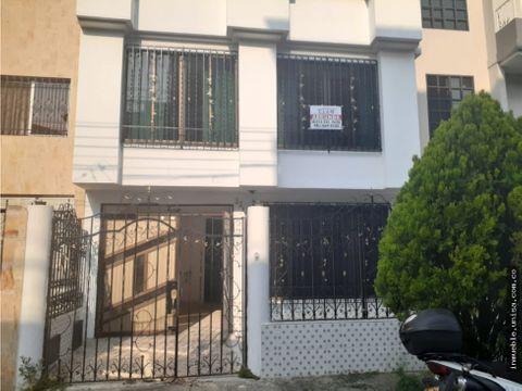 alquiler de casa en barrio ciudad 2000